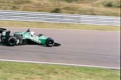 F1000005