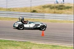 F1000021
