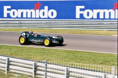 F1000022