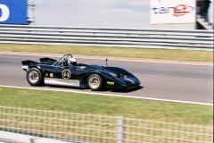F1000027